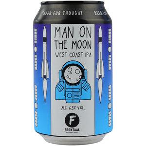 Frontaal Man On The Moon Blik